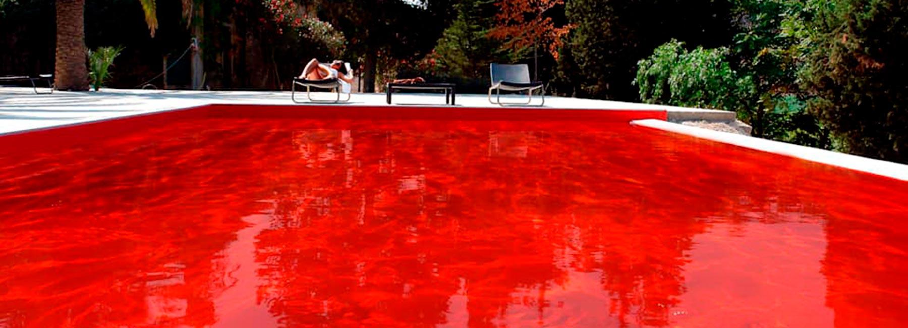 Красный бассейн от Olympic Italia для Farm Hotel, Сицилия