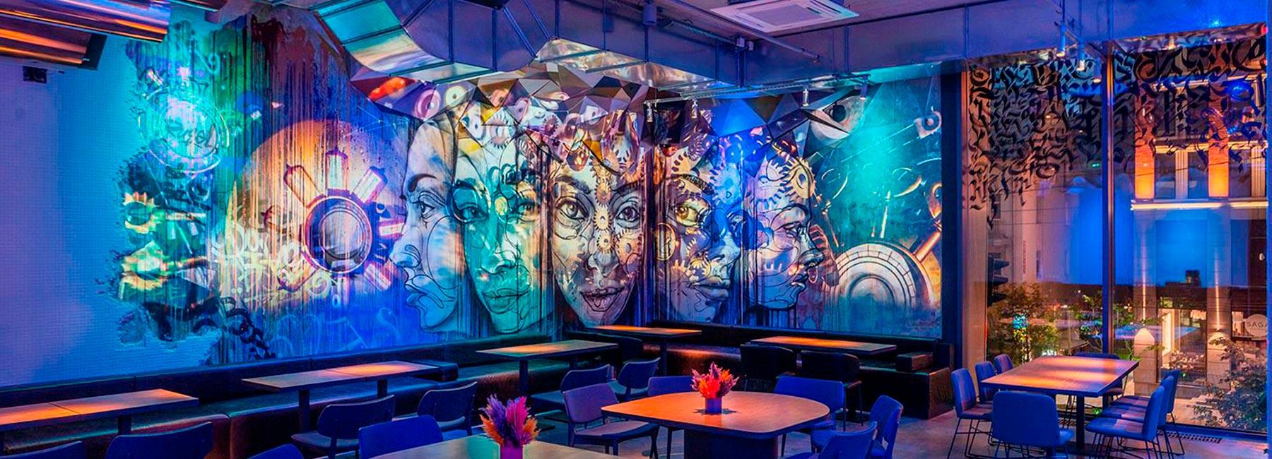 Дизайн ресторана-бара и ночного клуба Normal с атмосферой улиц Бруклина в Киеве